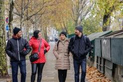 Débora e Flavio com Jessica e Márcio em passeio acompanhado durante o outono em Paris