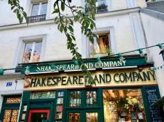 Shakespeare & Co (1)