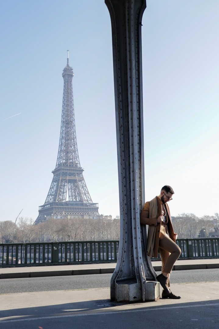 Ponte Bir-Hakein, arquitetura e beleza em Paris
