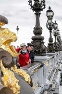 Ponte Alexandre III, considerada uma das pontes mais ornamentadas de Paris, está classificada como um monumento histórico francês e faz parte do conjunto arquitetônico formado pelo Grand Palais e o Petit Palais, todos para a Exposição Universal de 1900.