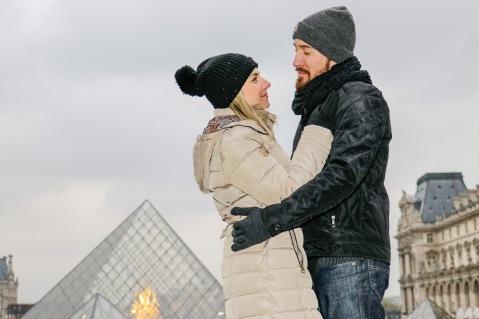 Quando a gente chegou no Louvre, mais um momento especial para um registro